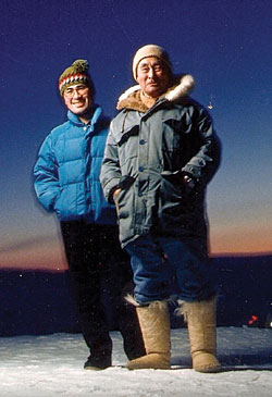 """Winterguide 2011 The two family legacies of polar explorer Robert E. Peary reunite.<!-- AddThis Sharing Buttons below --><!-- AddThis Sharing Buttons below -->                 <div class=""""addthis_toolbox addthis_default_style addthis_"""" addthis:url='http://www.portlandmonthly.com/portmag/2010/12/meet-the-other-pearys/' addthis:title='Meet the Other Pearys' >                     <a class=""""addthis_button_preferred_1""""></a>                     <a class=""""addthis_button_preferred_2""""></a>                     <a class=""""addthis_button_preferred_3""""></a>                     <a class=""""addthis_button_preferred_4""""></a>                     <a class=""""addthis_button_compact""""></a>                     <a class=""""addthis_counter addthis_bubble_style""""></a>                 </div>"""