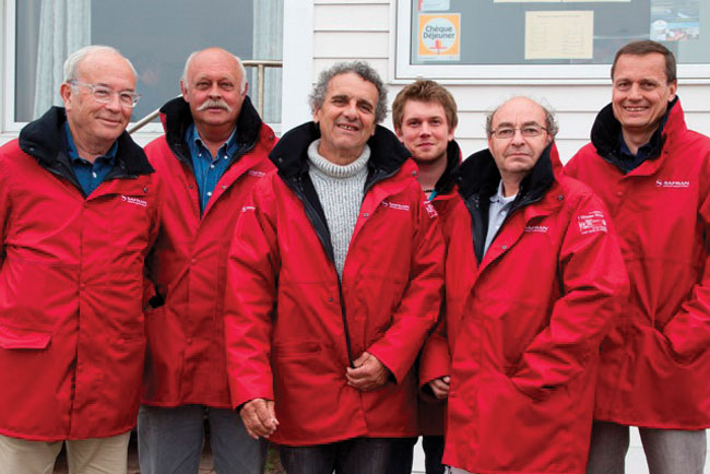 Search-Team-in-St.-Pierre